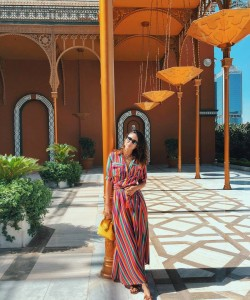 dresses outfit ideas for vacation via @SORAYABAKHTIAR