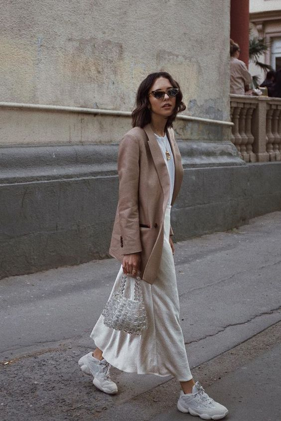 Chicest White Sneaker Outfits