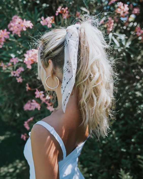 Hairstyle with bows