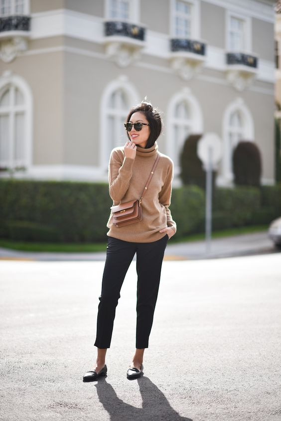 Basic Sweater That You're Gonne Need This Fall