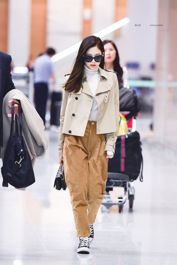 BLACKPINK Jennie Airport Photos at Incheon Back From Paris