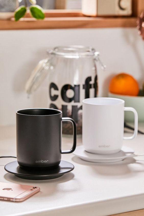 Temperature controlled ceramic mug