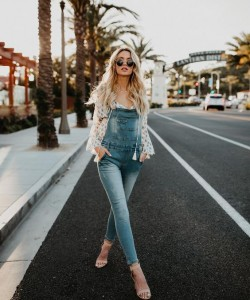Chic Ways to Style Overalls To Your Fall Outfit