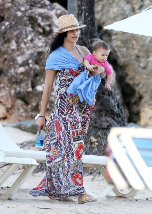 Jenna Dewan Tatum with the baby in the beach.jpg