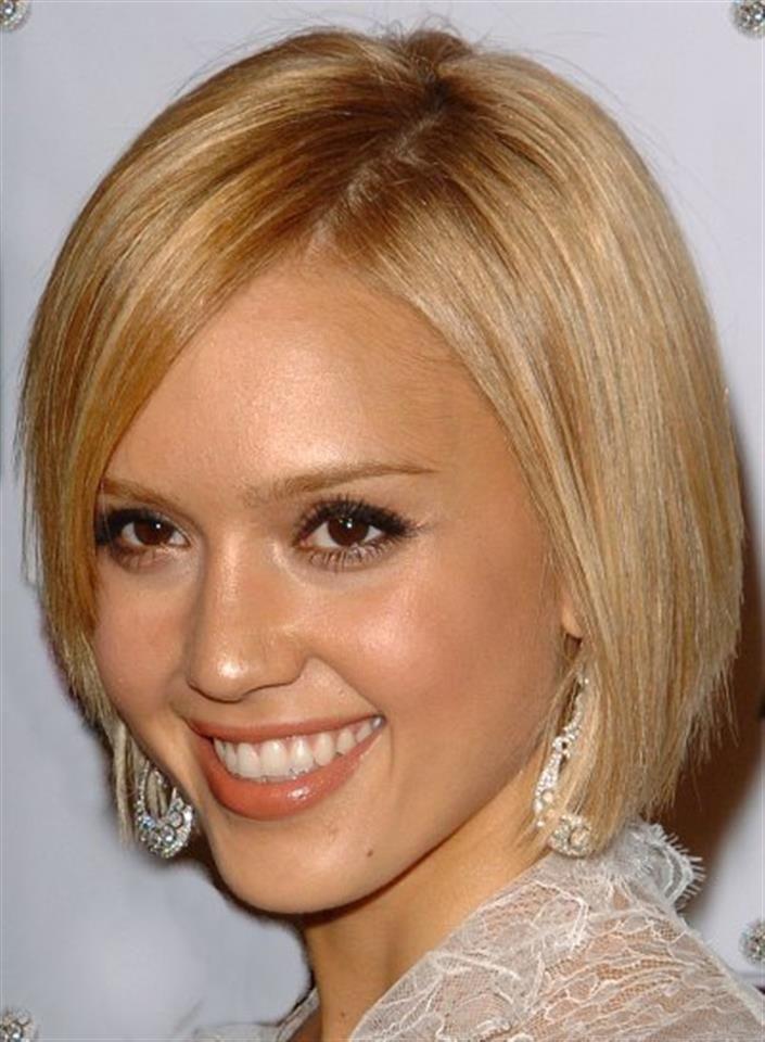 Jessica Alba Short hair Style