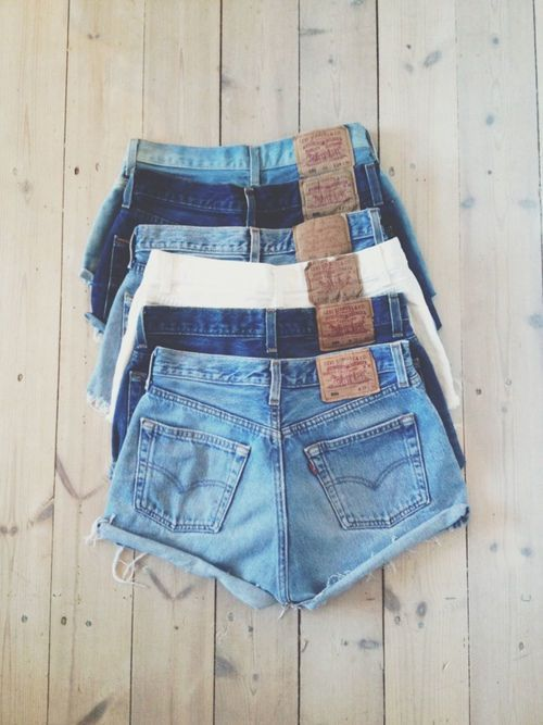 Short Ripped Jeans Collections