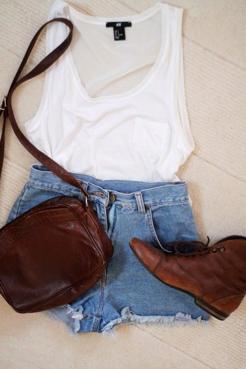 Summer Outfit With Short Jeans