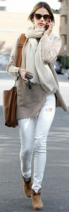 Gorgeous Style in White Jeans and Sweater