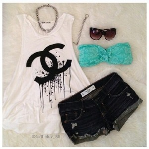 Casual fashion outfit