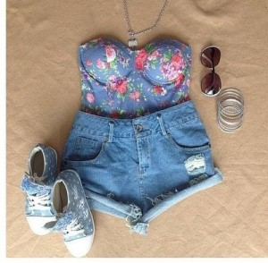 Cute Floral Summer Outfit
