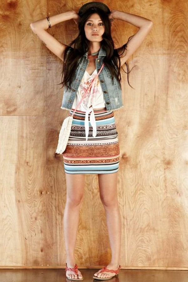 4How To Chic: Tribal Printed Skirt