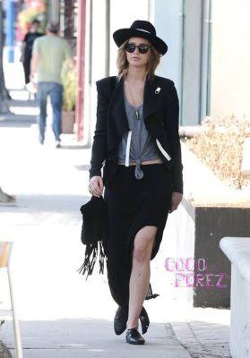 celebrity street style,jennifer lawrence style, jennifer lawrence outfit