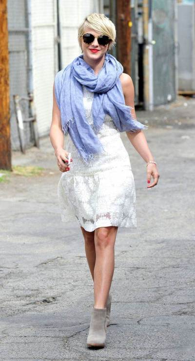 Julianne Hough pairs an oversized scarf with a white lace dress from Banana Republic