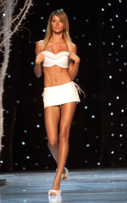 Victoria's Secret Fashion Show, November 2001