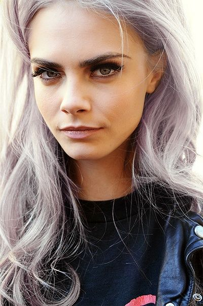 Cara delevigne with gray hairstyle