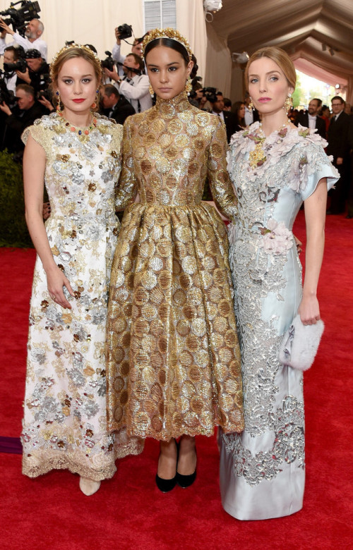 Brie-Larson-Courtney-Eaton-Annabelle-Wallis at MET gala 2015