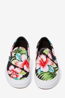 Vans Classic Slip-On Sneaker - Black Hawaiian Floral