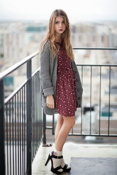 How to Wear Outfit with Socks For This Fall
