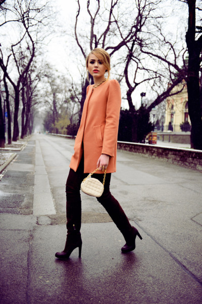 5.-peach-dress-coat-with-chic-outfit - Wedding Winter Invitation Outfit Inspirations