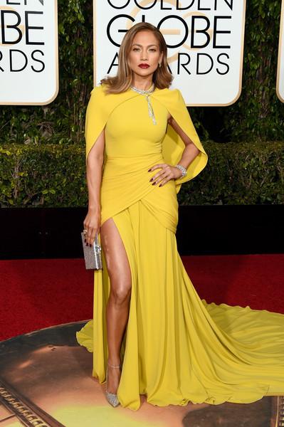 Jennifer Lopez in Giambattista Valli