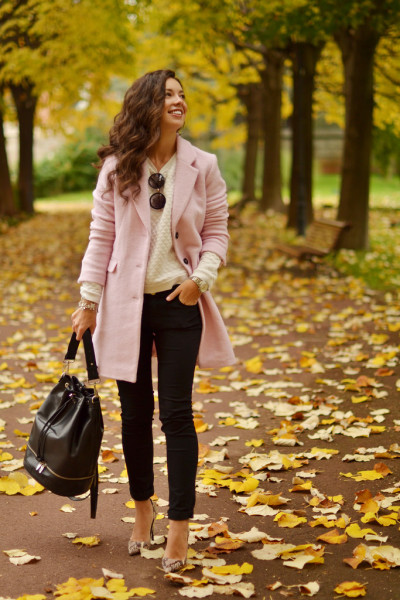 cute-blush-pink-coat-fall-outfit