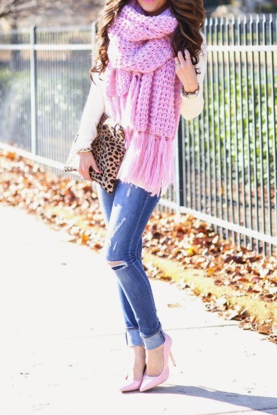 knitted-chunky-pink-scarf