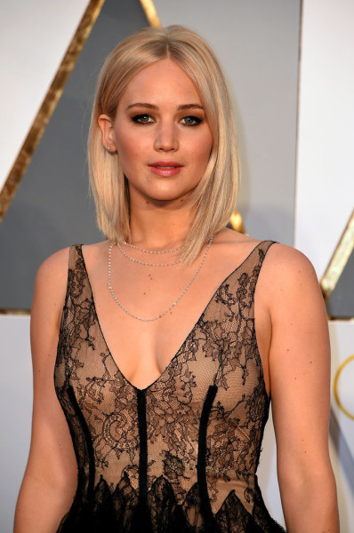 Jennifer-Lawrence-Oscars-2016_