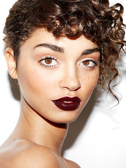 deep-burgundy-lips