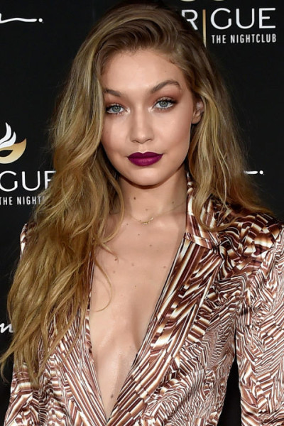 Gigi Hadid Dark Caramel Blonde   Try Another These Hair Colors For Summer 2016