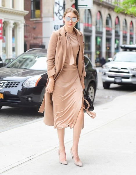 Hadid opted for a Jonathan Simkhai nude frock—and completed her monochromatic ensemble with a coordinating Topshop coat and heels.