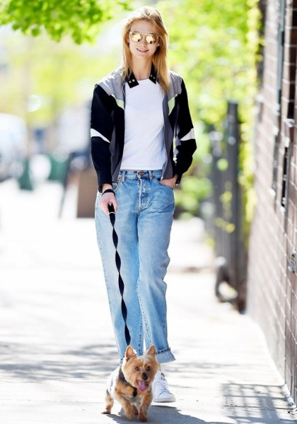 Karlie Kloss just found the one item you need to instantly make your off-duty uniform all the more stylish.