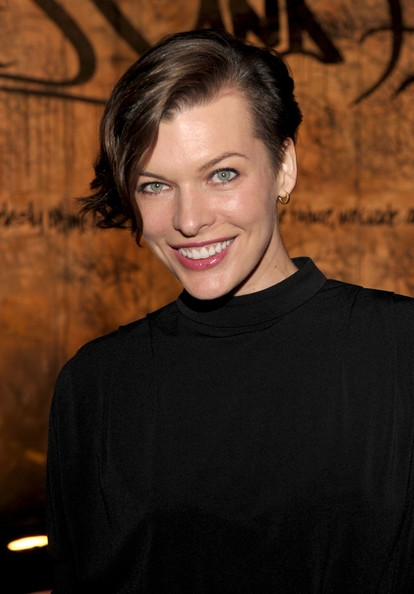 Milla Jovovich looked lovely in a short sidepart.