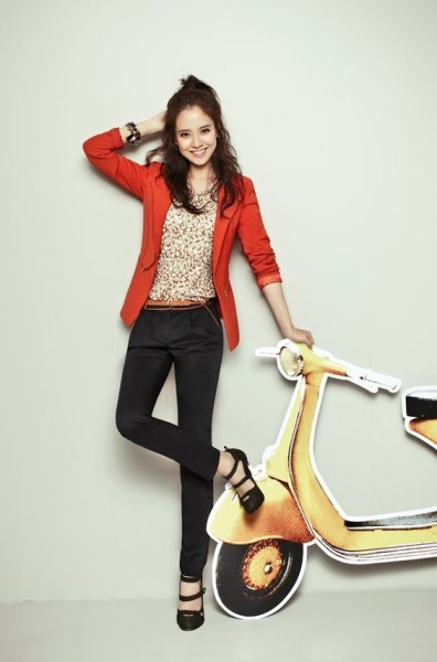Song Ji Hyo Mixes It Up With Prints, Patterns, & Color For YESSE's Fall 2013 Campaign Couch Kimchi