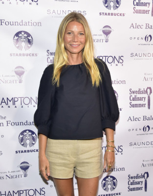 Gwyneth Paltrow accessorized with a trio of gold bangles during the East Hampton Library Author's Night.