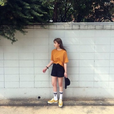 Picked Color Trend Mustard Outfit Ideas For Early Autumn