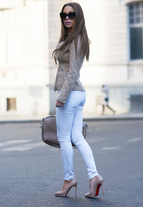 How to Style Suede Outfit In This Fall
