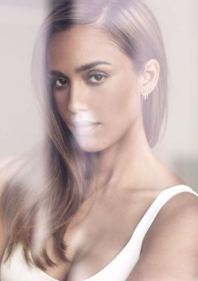 Jessica Alba smolders in the photo spread