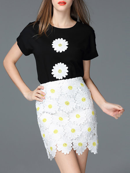 White Casual Floral-embroidered Mini Skirt