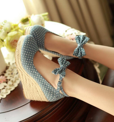 Spring And Summer Wave Point Fashion High Heels