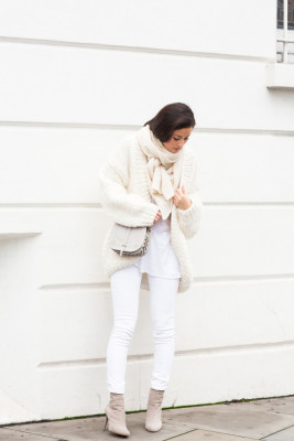 Peony Lim shows us that this is definitely still a trend in these skinny jeans and oversized chunky knit cardigan.