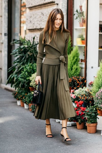 love how the color works to make this outfit visually interesting and the long elegant skirt with the sleek jacket.