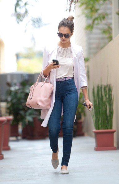 Jessica Alba rocked a pair of high-waisted skinny jeans while running errands in LA.