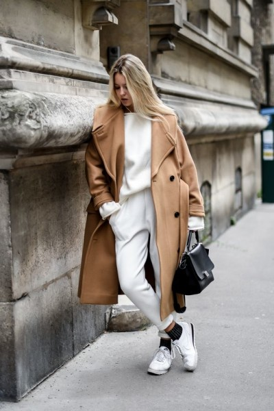 camel coat and white total look
