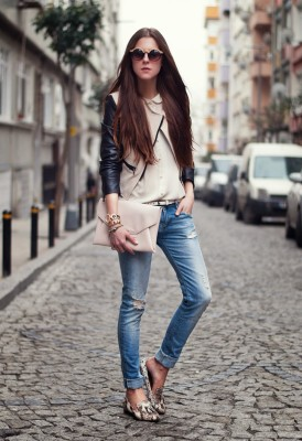 Stylish Ways To Wear Outfit With Clutch