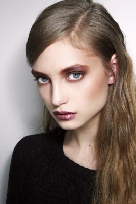 Burnished-Red eyes with Pink Glitter Lips