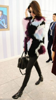 Fur street style Kendell Jenner via dailymail