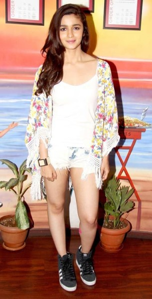 Alia Bhatt goes quirky and sexy for Humpty Sharma Ki Dulhania promotions
