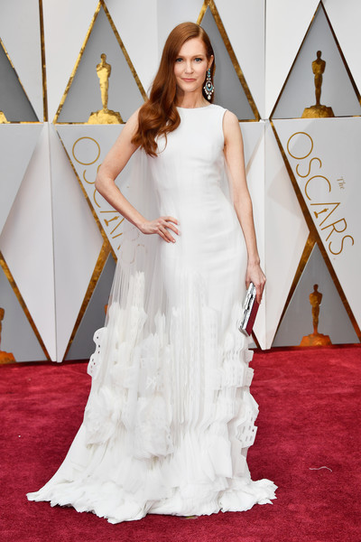 Darby Stanchfield in Georges Chakra
