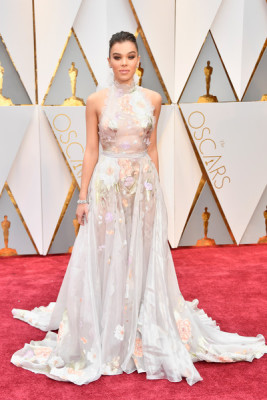 Hailee Steinfeld in Ralph and Russo Couture