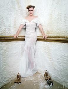 Emma Watson wears Oscar de la Renta gown
